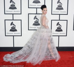 Katy Perry looked beautiful in an interesting Valentino gown